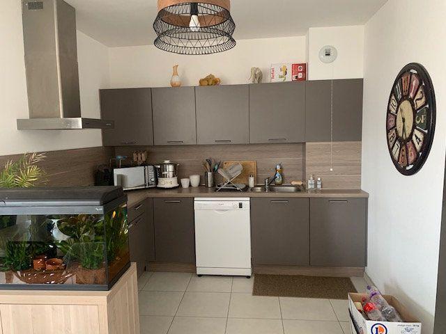 Appartement à louer 3 76m2 à Épernay vignette-1
