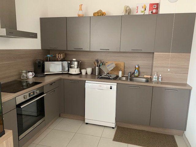 Appartement à louer 3 76m2 à Épernay vignette-2