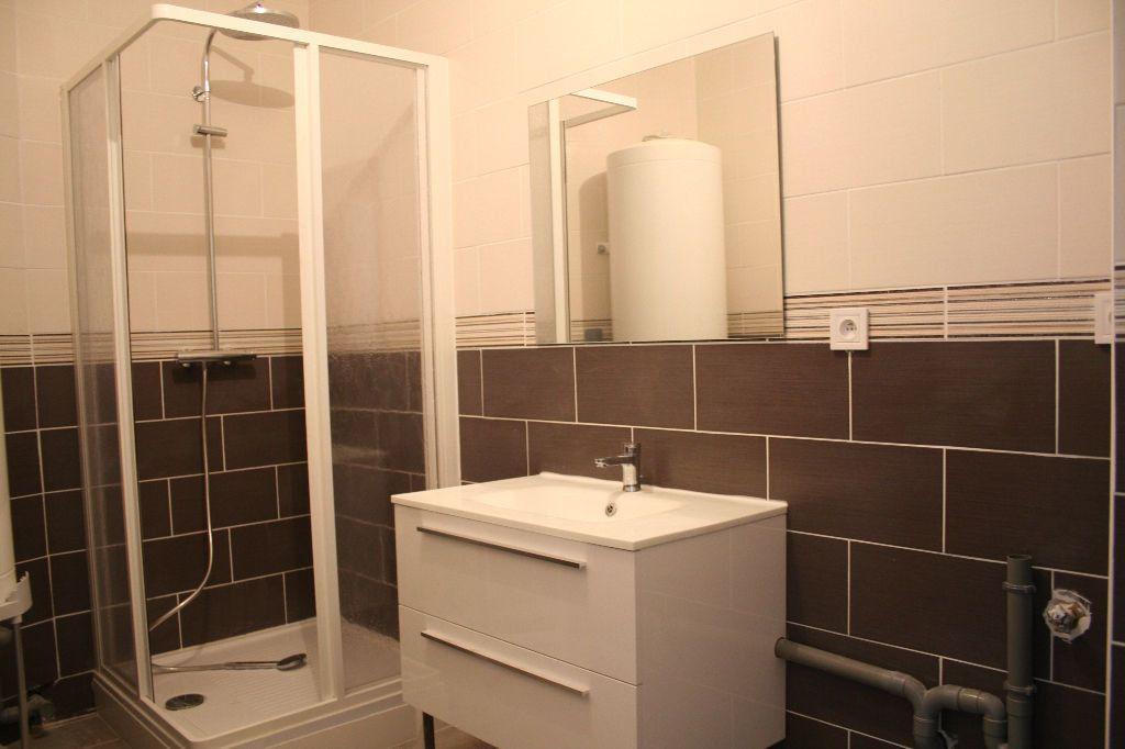Appartement à louer 3 76m2 à Épernay vignette-5