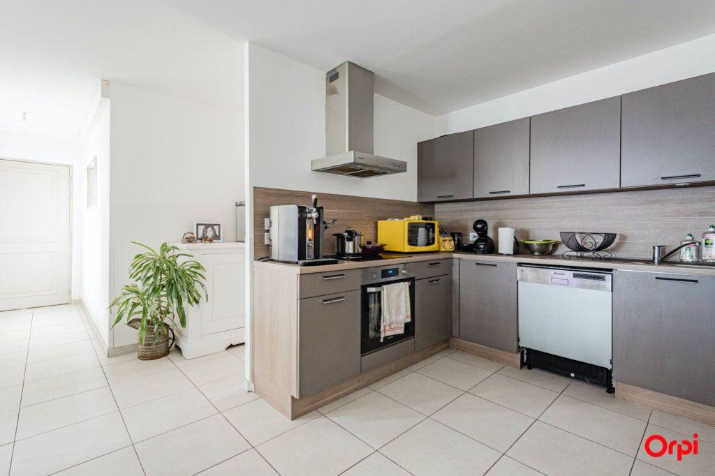 Appartement à louer 4 78.52m2 à Épernay vignette-2