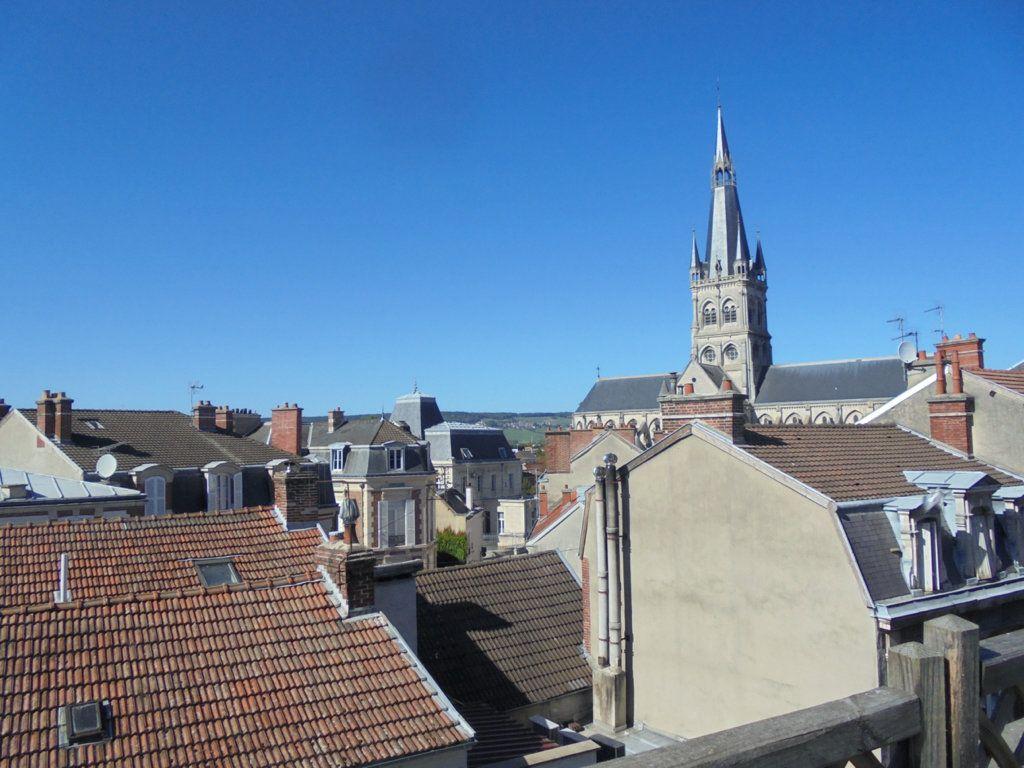 Appartement à vendre 4 97m2 à Épernay vignette-1