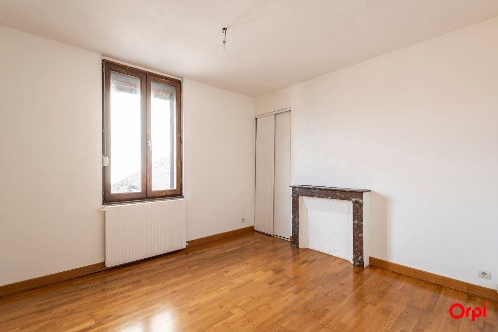 Appartement à louer 3 59.5m2 à Épernay vignette-3