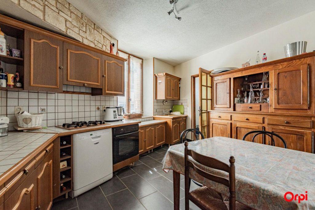 Maison à vendre 6 121.78m2 à Ay vignette-2