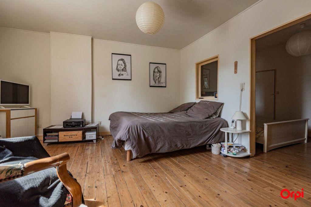 Maison à vendre 6 121.78m2 à Ay vignette-3