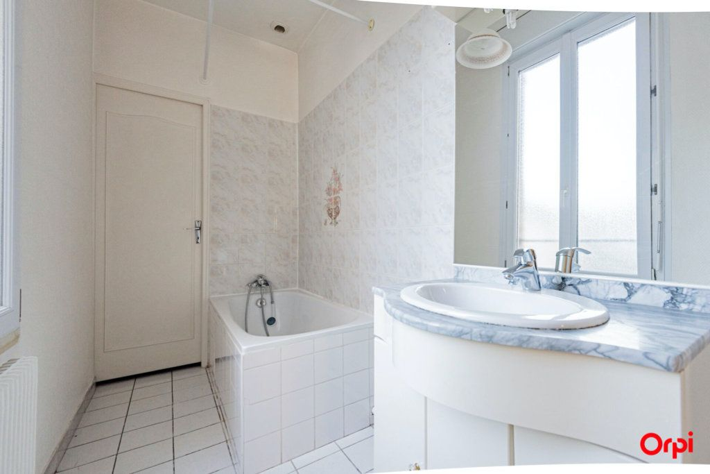 Appartement à vendre 3 58m2 à Épernay vignette-2