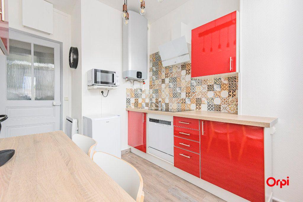 Appartement à louer 2 45m2 à Épernay vignette-2