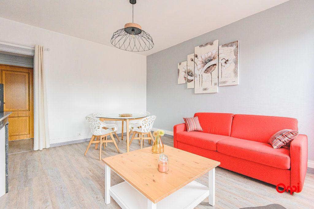 Appartement à louer 2 45m2 à Épernay vignette-3