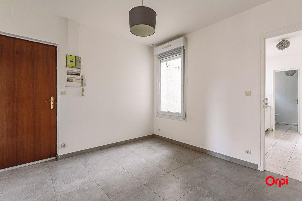 Appartement à louer 2 31.64m2 à Épernay vignette-1