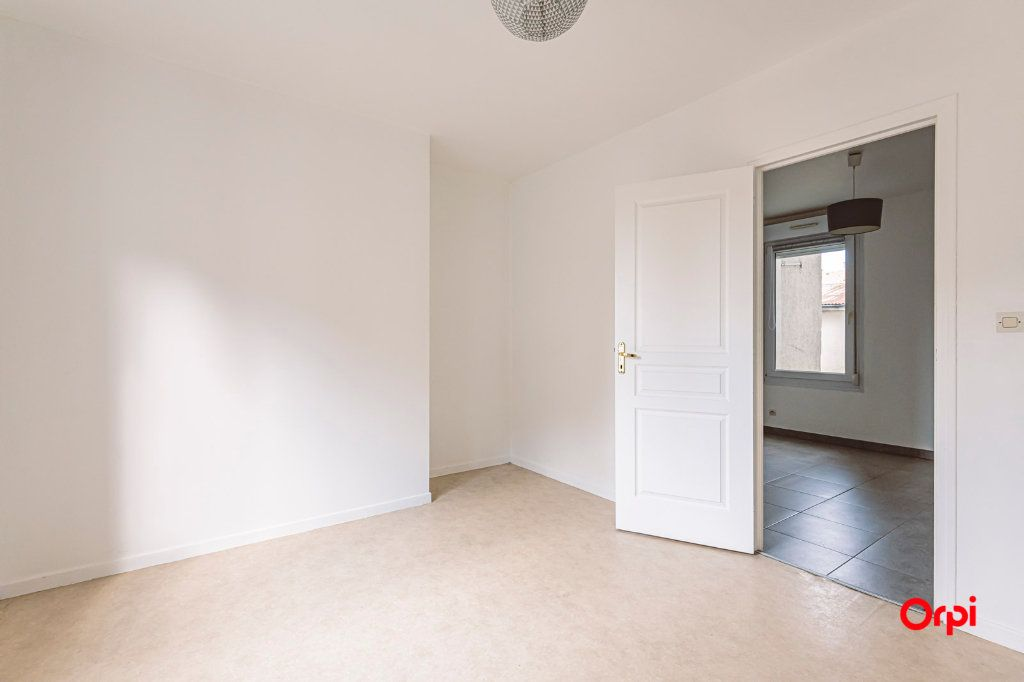 Appartement à louer 2 31.64m2 à Épernay vignette-2