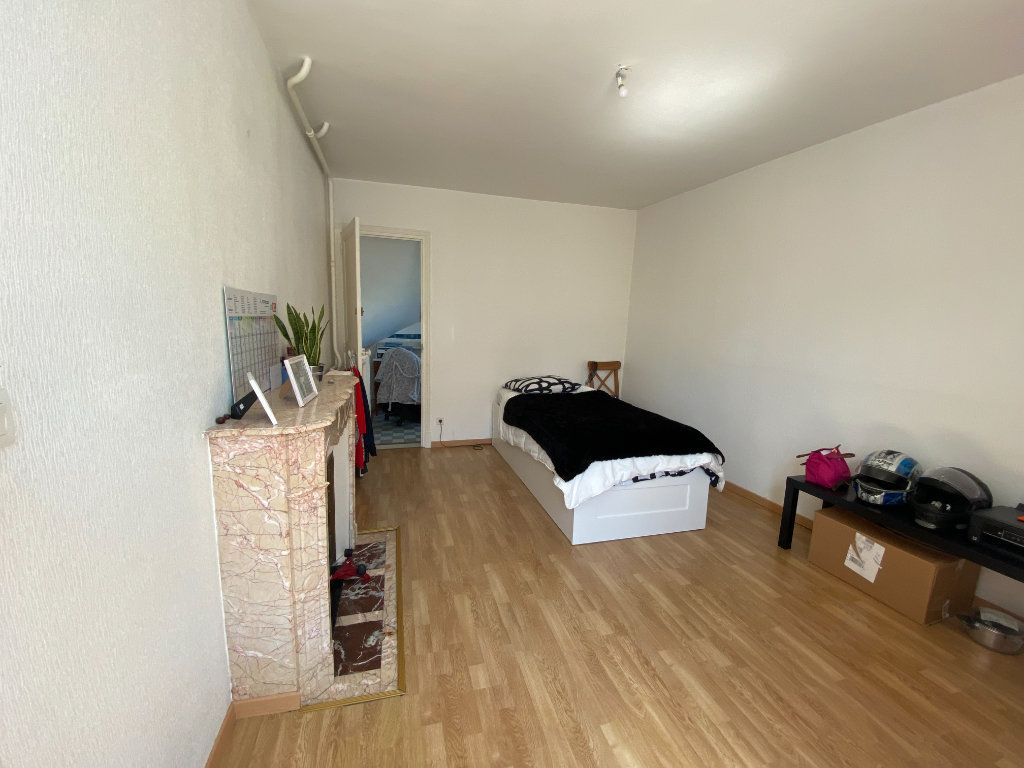 Maison à louer 6 123.45m2 à Damery vignette-4