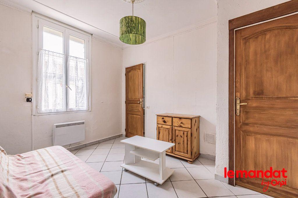 Appartement à louer 1 25.64m2 à Épernay vignette-1