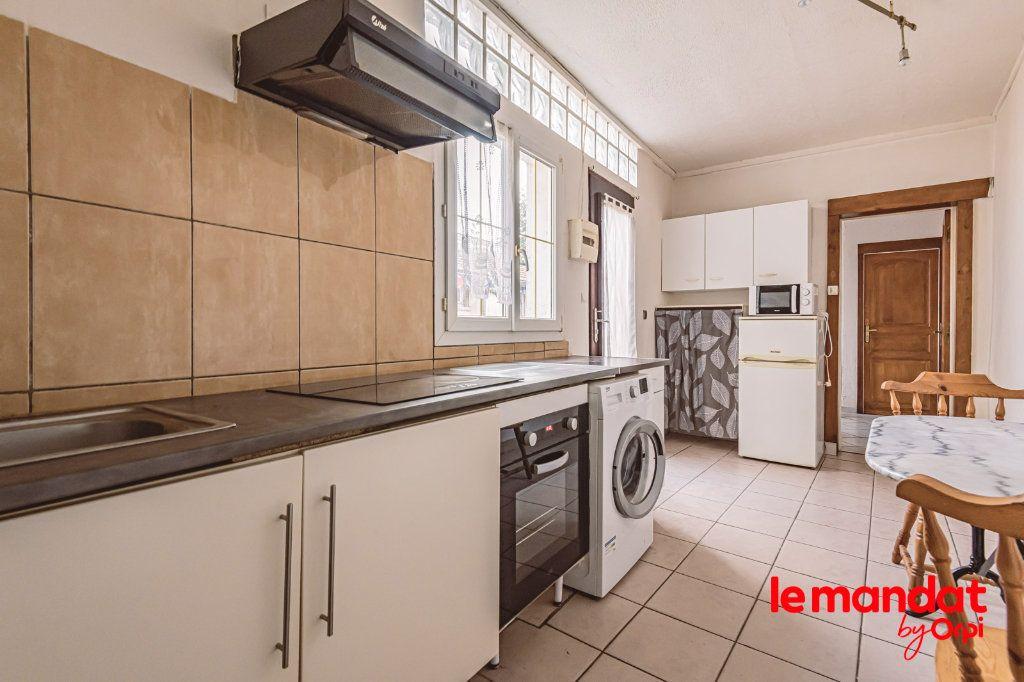 Appartement à louer 1 25.64m2 à Épernay vignette-2