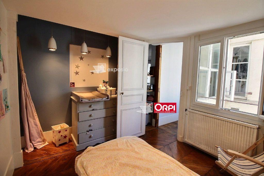 Appartement à louer 3 65m2 à Paris 17 vignette-8