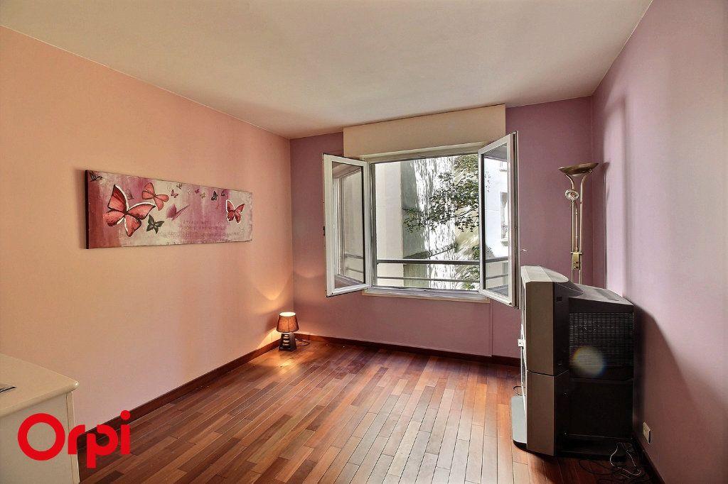 Appartement à vendre 4 86m2 à Paris 17 vignette-1