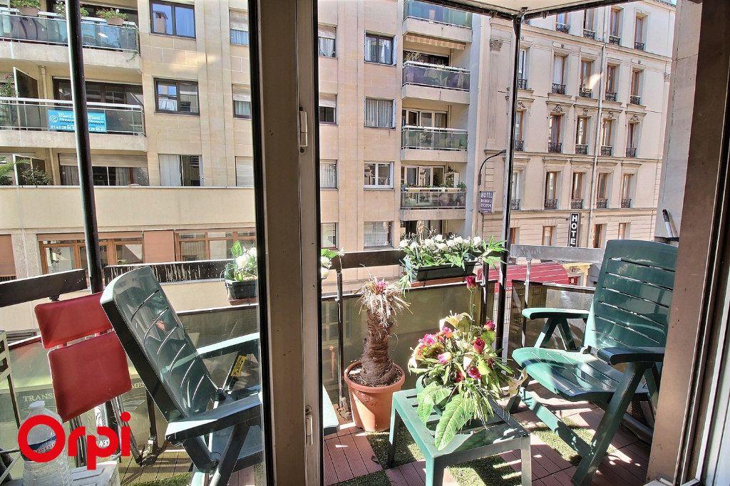 Appartement à vendre 4 86m2 à Paris 17 vignette-2