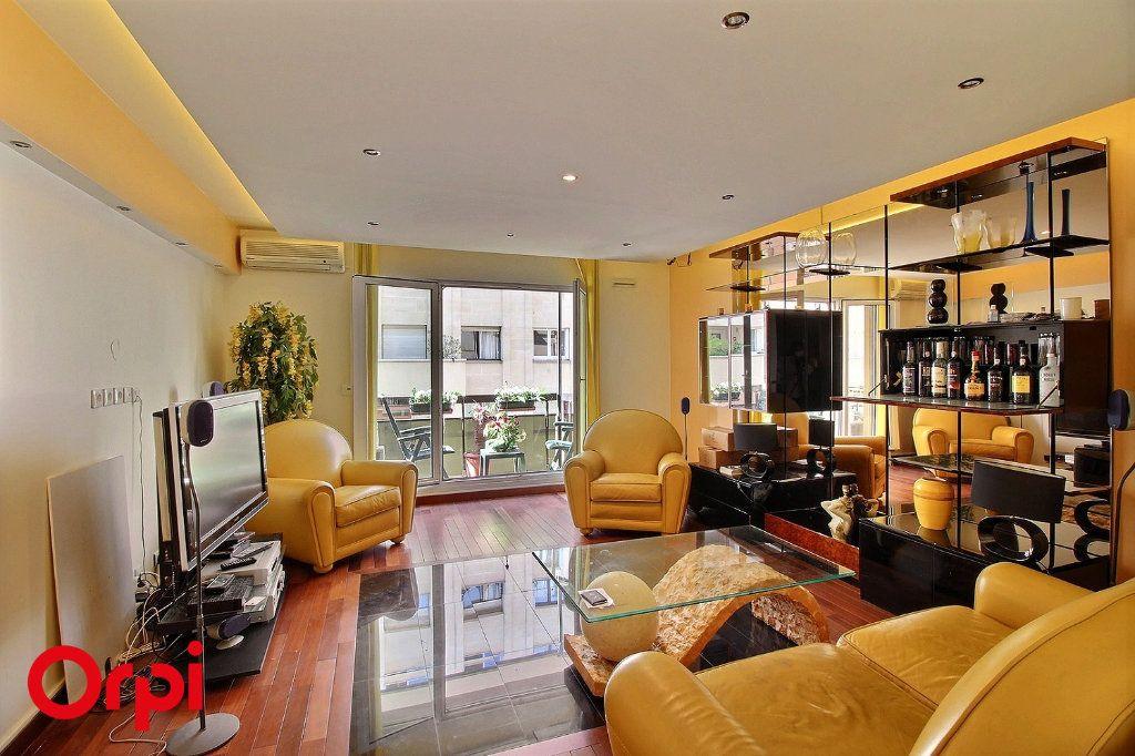 Appartement à vendre 4 86m2 à Paris 17 vignette-4