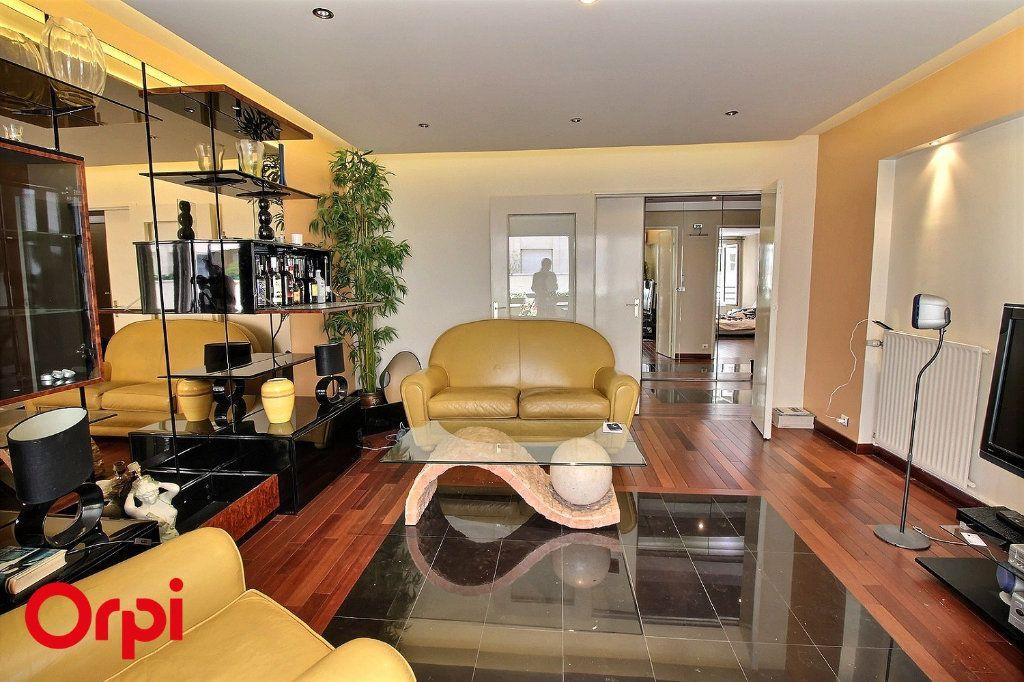 Appartement à vendre 4 86m2 à Paris 17 vignette-6