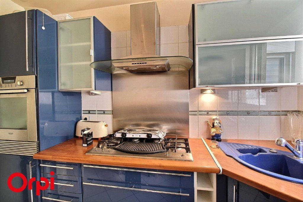 Appartement à vendre 4 86m2 à Paris 17 vignette-8