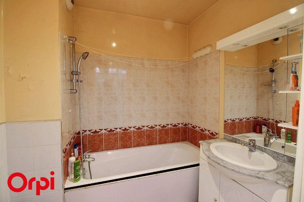 Appartement à vendre 4 86m2 à Paris 17 vignette-9