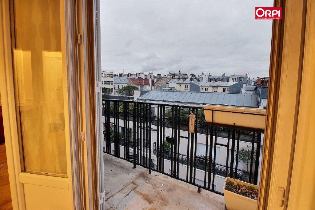 Appartement à louer 4 100m2 à Paris 17 vignette-4