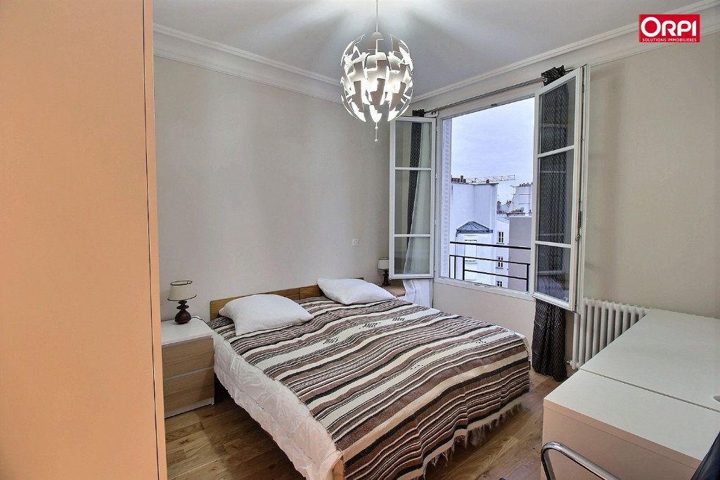 Appartement à louer 4 100m2 à Paris 17 vignette-6