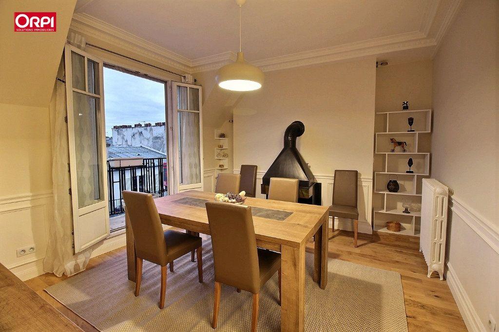 Appartement à louer 4 100m2 à Paris 17 vignette-7