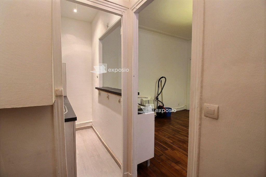 Appartement à louer 2 40.71m2 à Paris 17 vignette-3