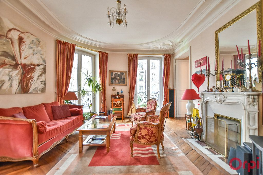 Appartement à vendre 5 103.78m2 à Paris 17 vignette-1
