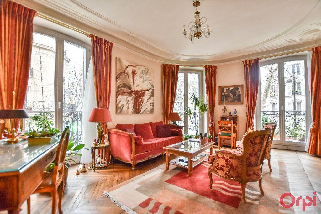 Appartement à vendre 5 103.78m2 à Paris 17 vignette-2