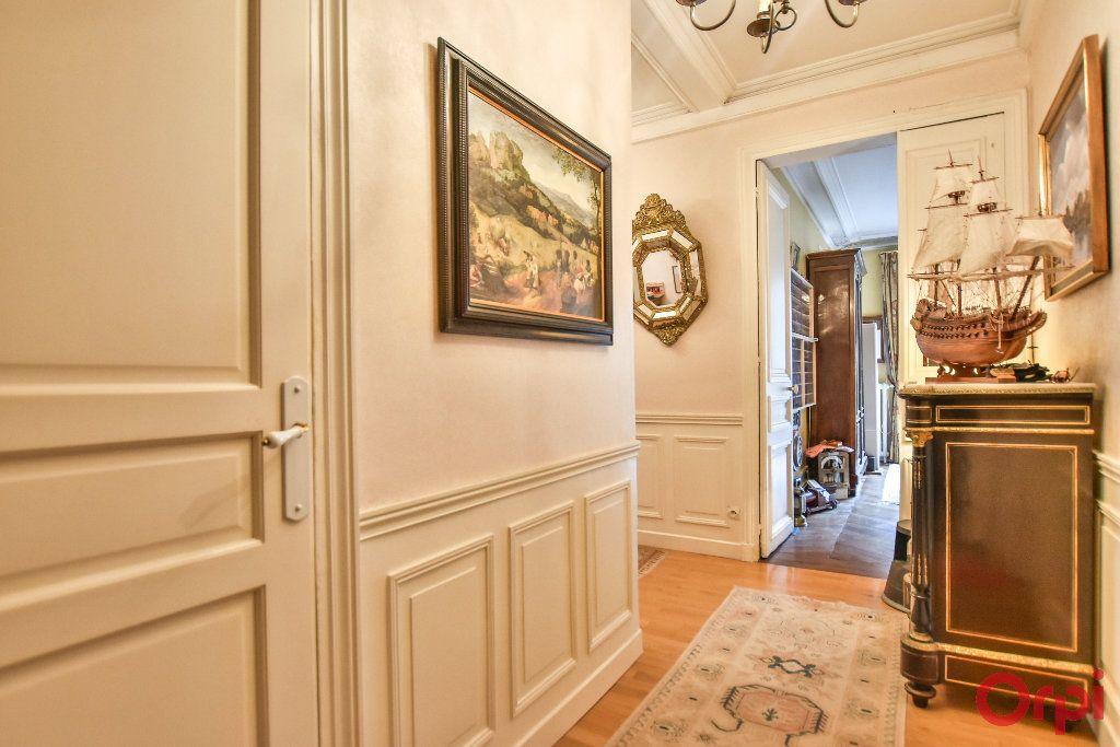 Appartement à vendre 5 103.78m2 à Paris 17 vignette-3