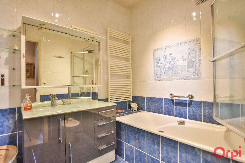 Appartement à vendre 5 103.78m2 à Paris 17 vignette-4