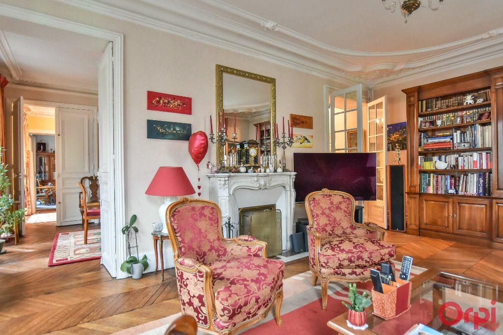 Appartement à vendre 5 103.78m2 à Paris 17 vignette-7