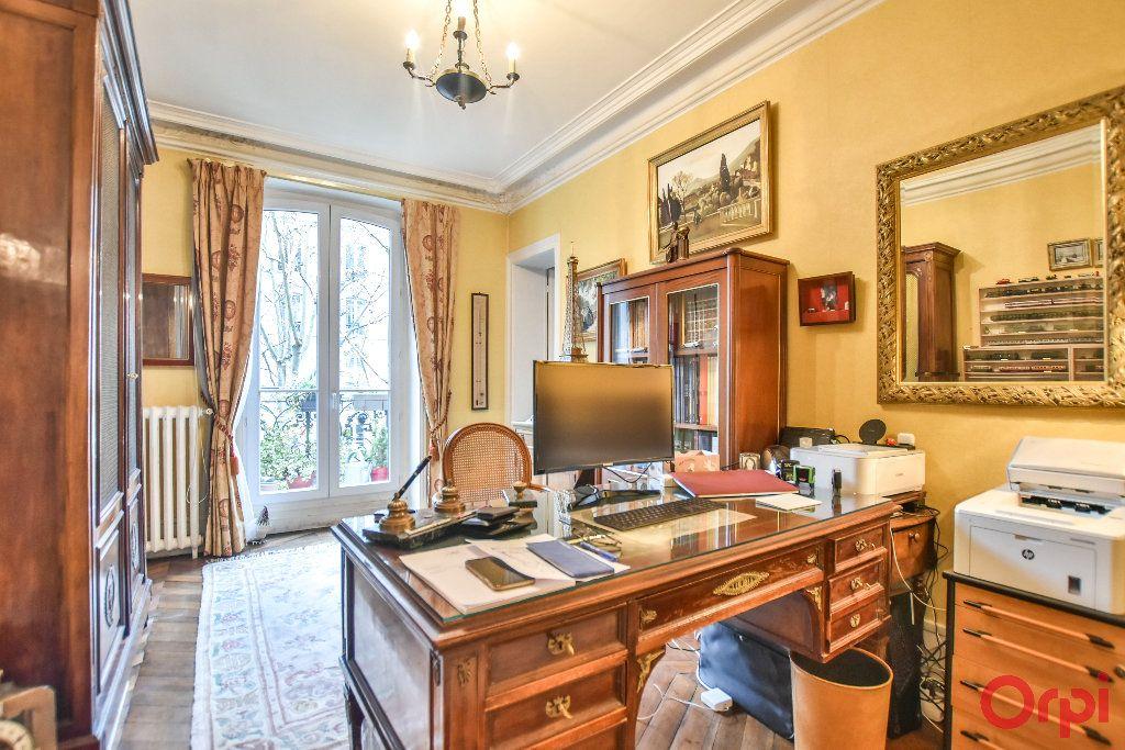 Appartement à vendre 5 103.78m2 à Paris 17 vignette-8