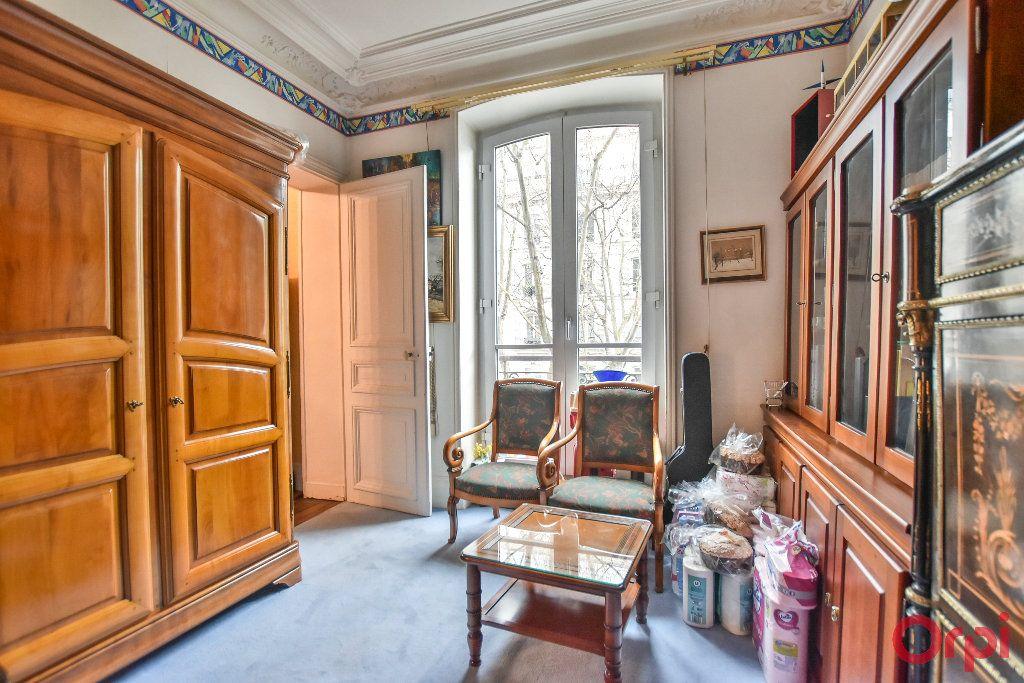 Appartement à vendre 5 103.78m2 à Paris 17 vignette-9