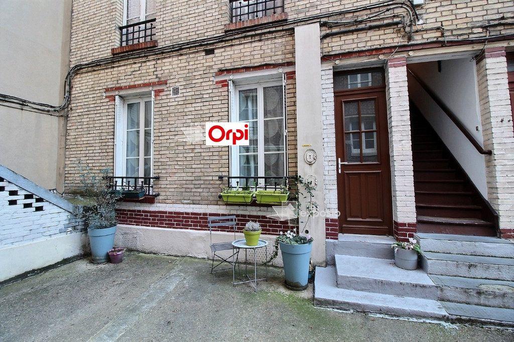 Appartement à louer 2 26m2 à Clichy vignette-11