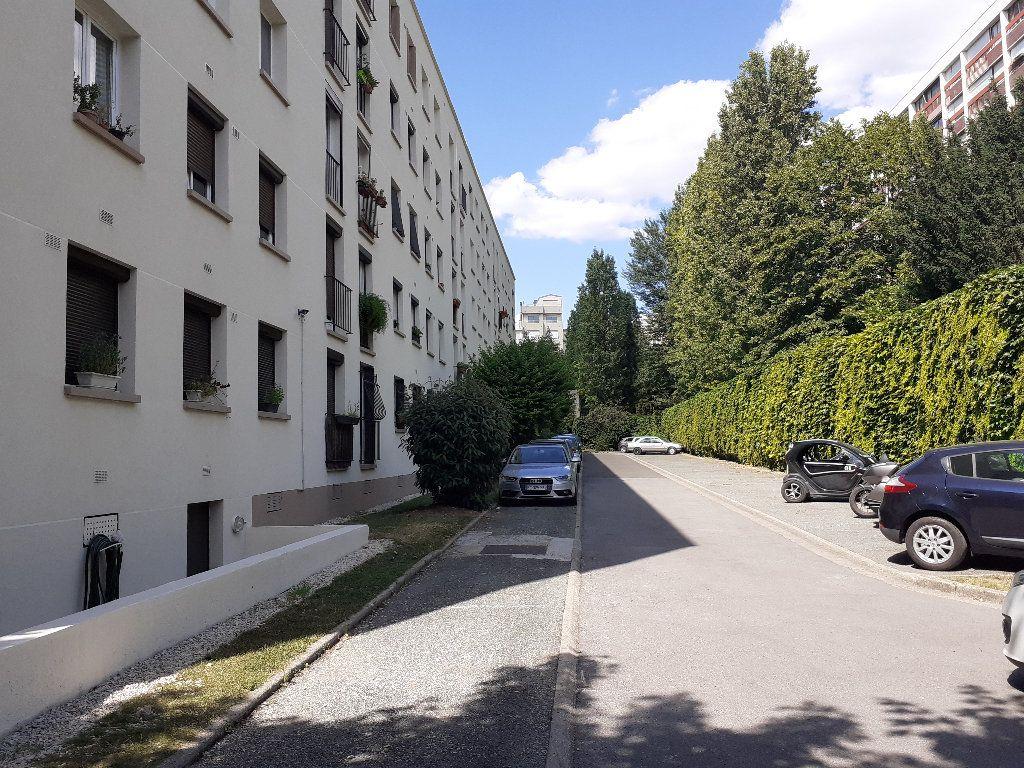 Appartement à vendre 3 62.1m2 à Paris 17 vignette-6