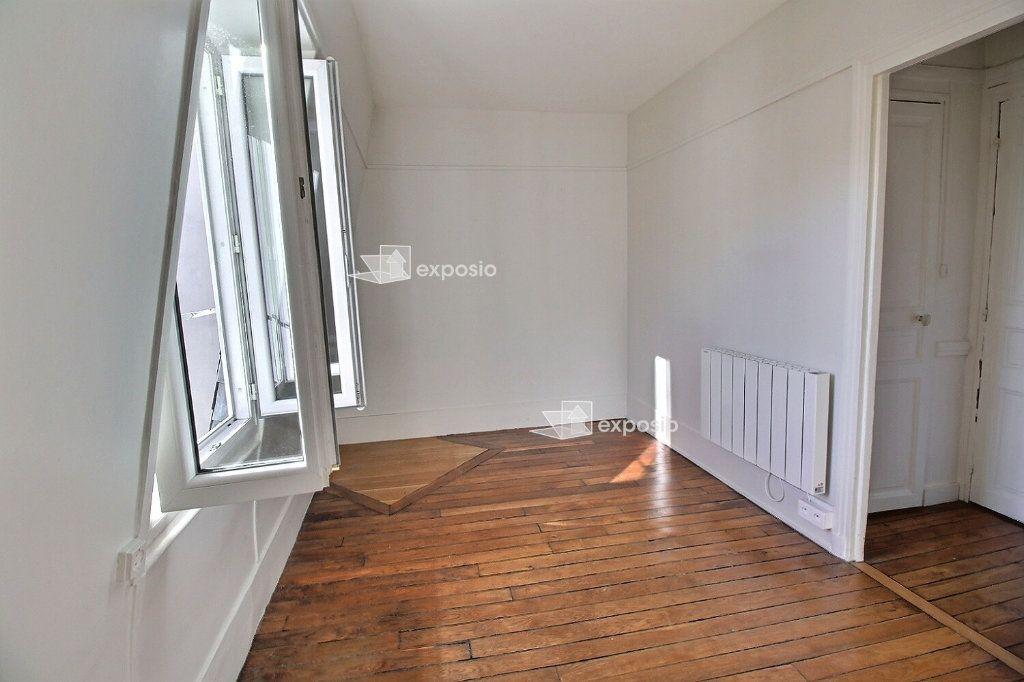 Appartement à vendre 2 22m2 à Paris 17 vignette-1
