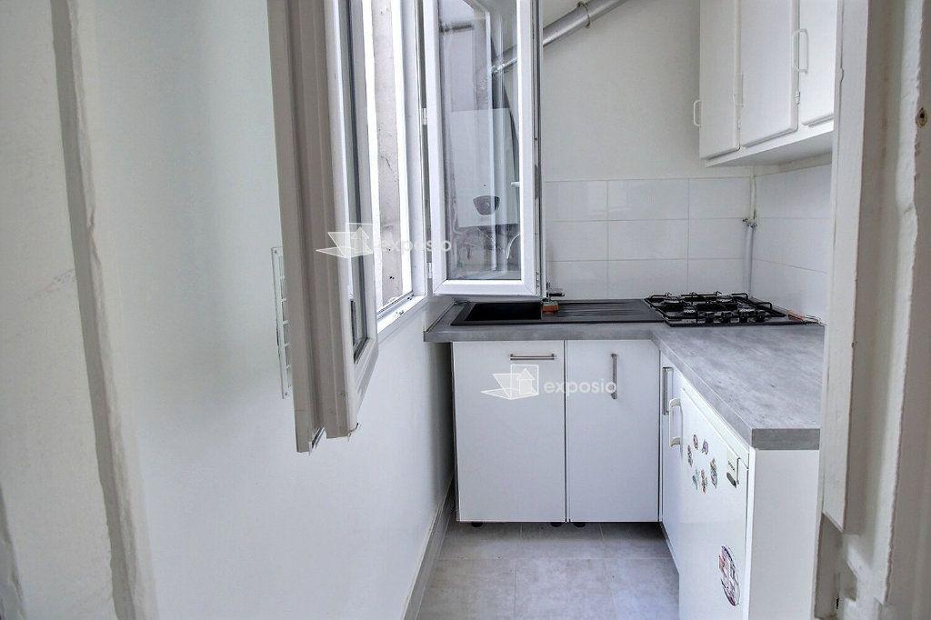 Appartement à vendre 2 22m2 à Paris 17 vignette-2