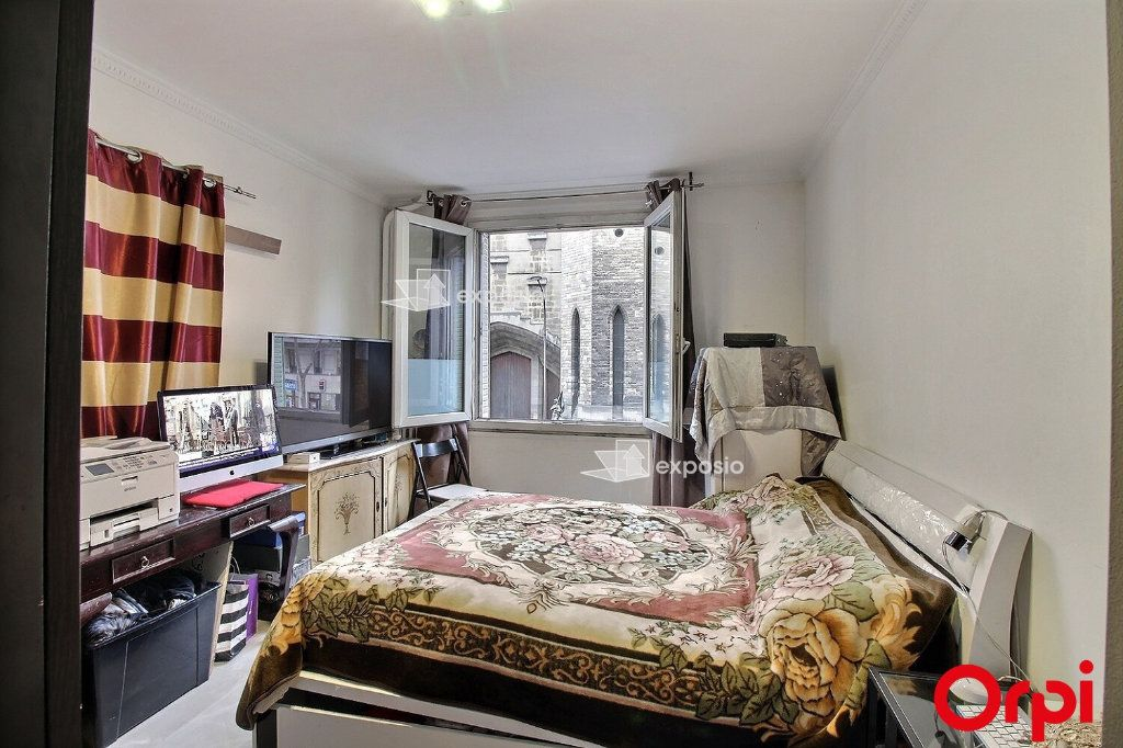 Appartement à vendre 3 68m2 à Paris 18 vignette-5
