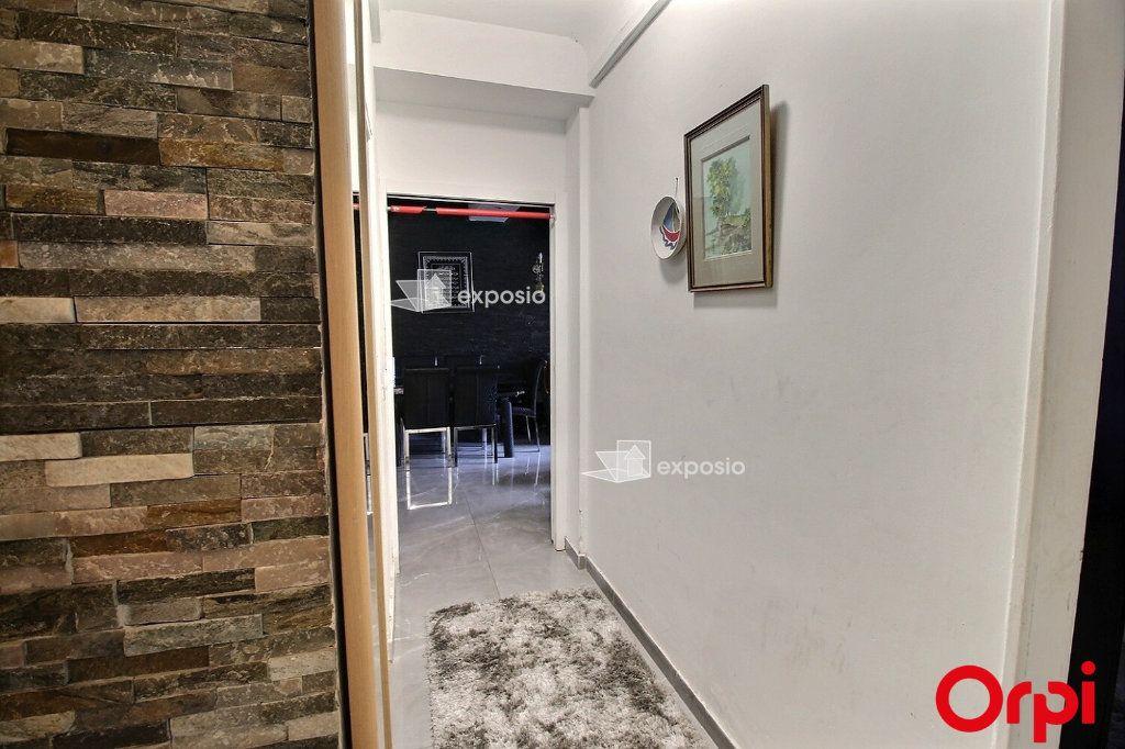 Appartement à vendre 3 68m2 à Paris 18 vignette-6