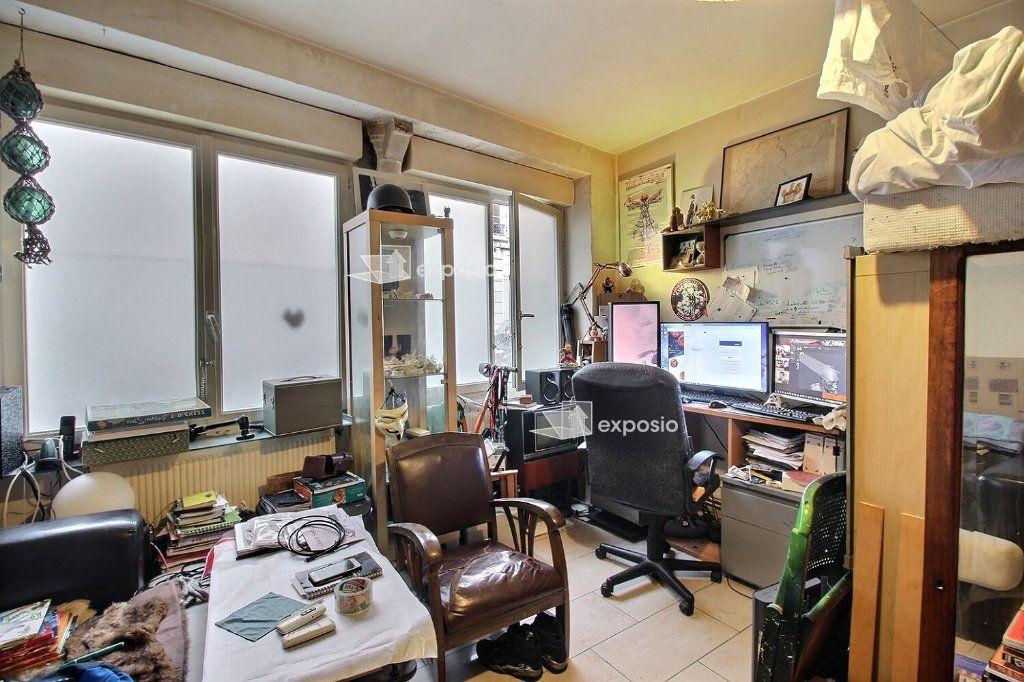 Appartement à vendre 3 57m2 à Paris 17 vignette-3