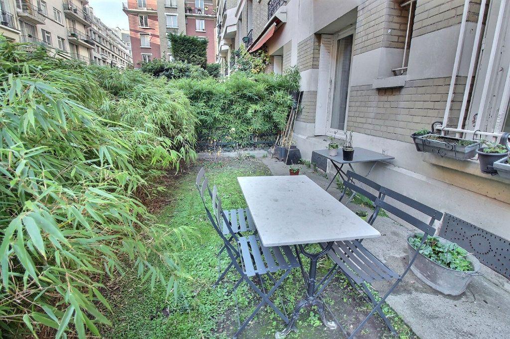 Appartement à vendre 5 135m2 à Paris 17 vignette-1