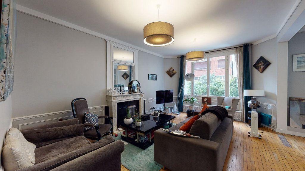 Appartement à vendre 5 135m2 à Paris 17 vignette-2
