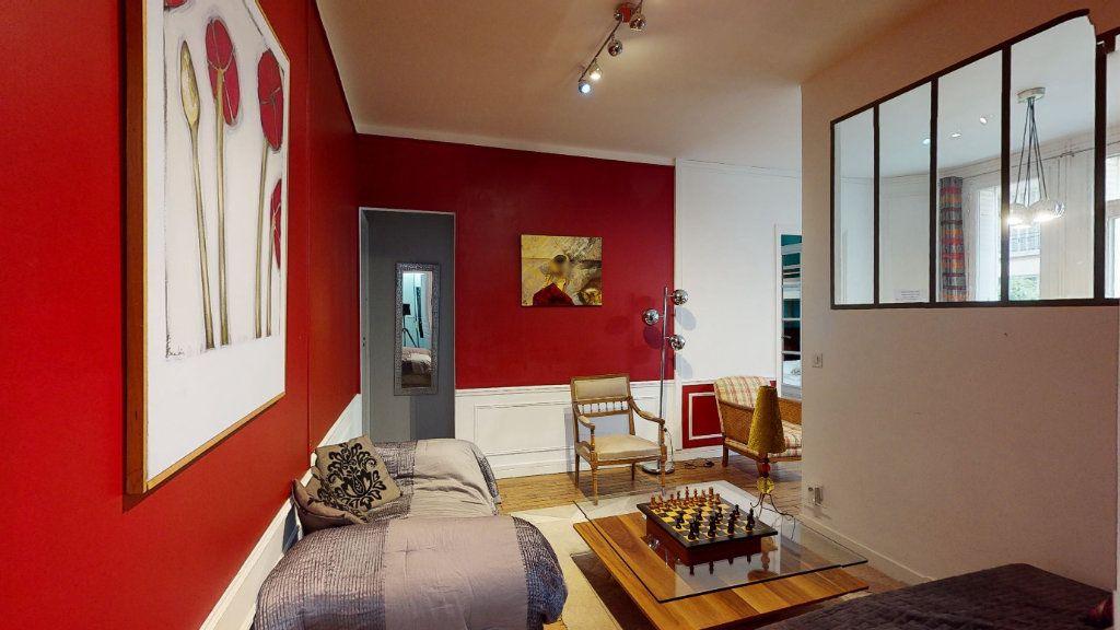 Appartement à vendre 5 135m2 à Paris 17 vignette-7