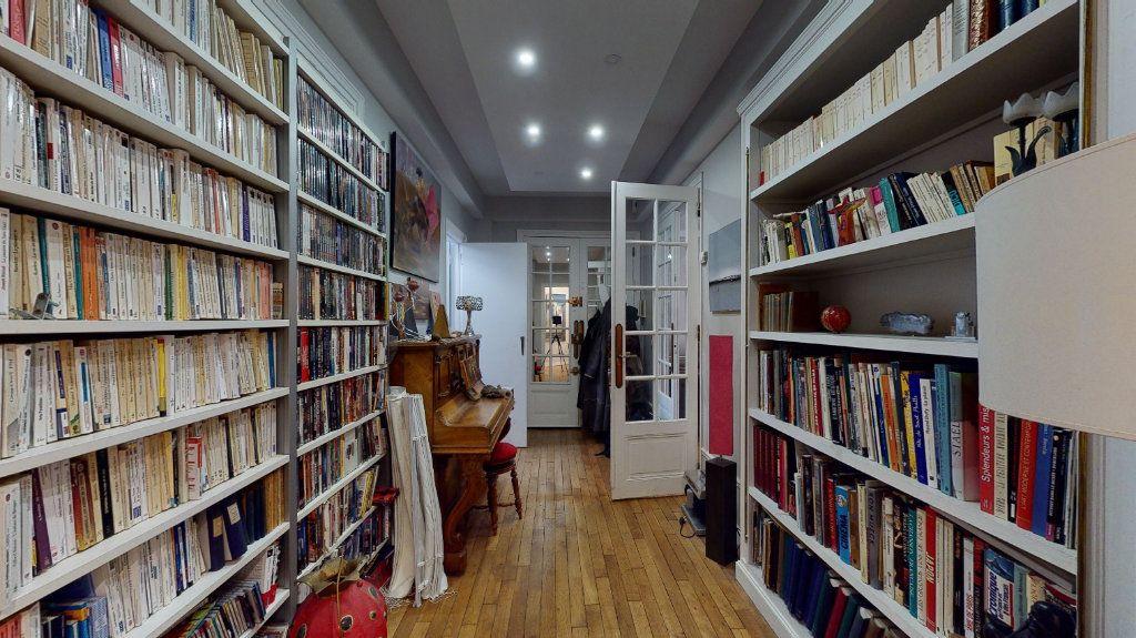 Appartement à vendre 5 135m2 à Paris 17 vignette-11