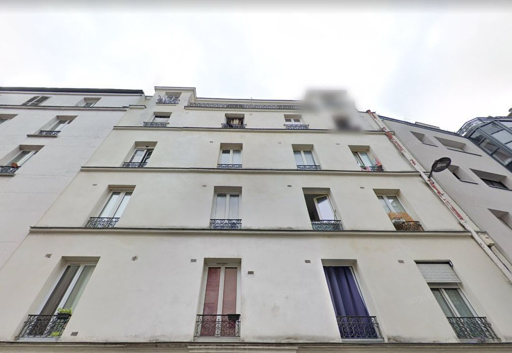 Appartement à vendre 1 11m2 à Paris 18 vignette-1