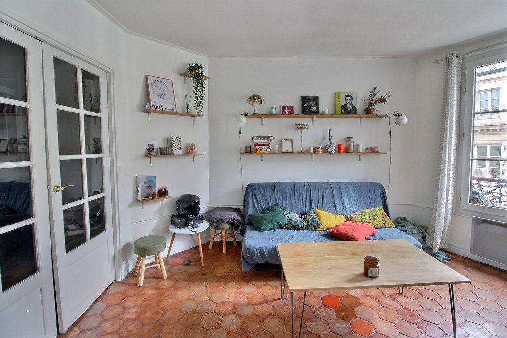 Appartement à vendre 2 39.29m2 à Paris 9 vignette-2