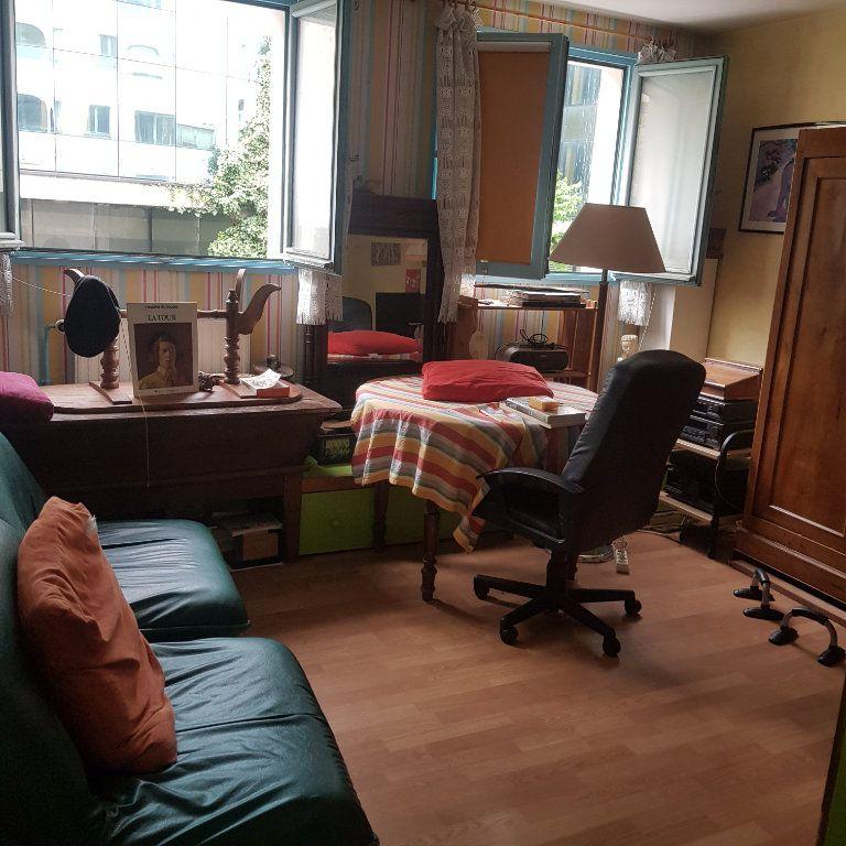 Appartement à vendre 2 39m2 à Toulon vignette-2