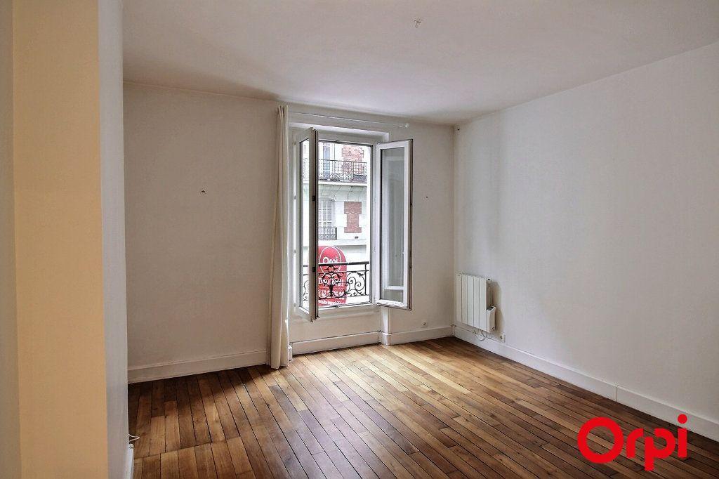 Appartement à louer 2 34.08m2 à Paris 17 vignette-1