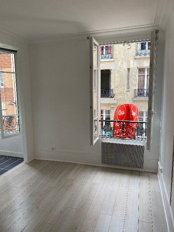 Appartement à louer 1 17.84m2 à Paris 17 vignette-1